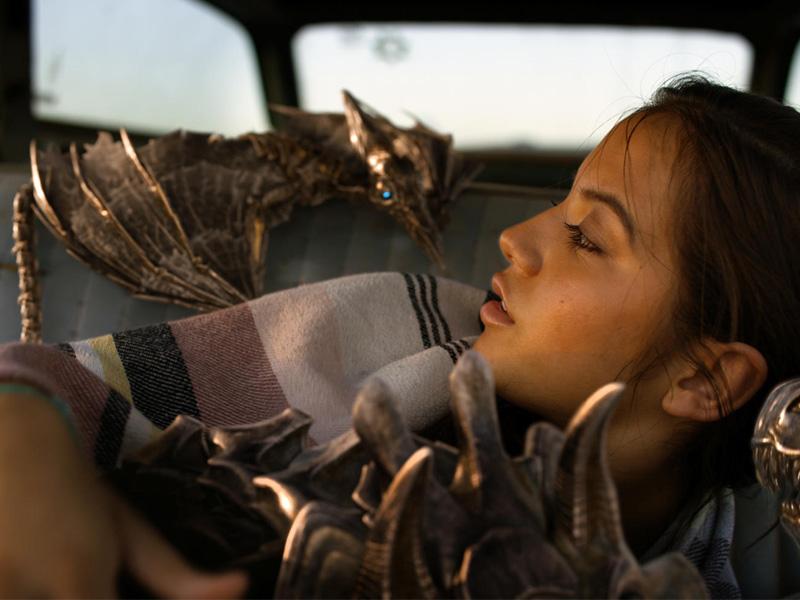 Isabela Moner in Transformer 5