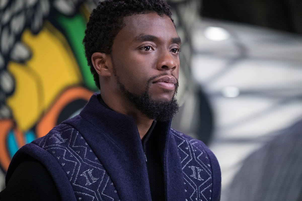Chadwick Boseman als T'Challa als Black Panther