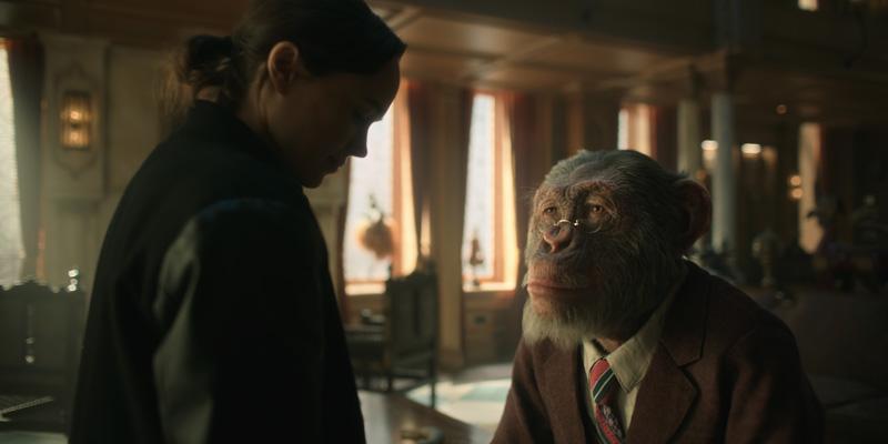 The Umbrella Academy Kritik Serienempfehlung auf Netflix mit Adam Godley als Pgoo