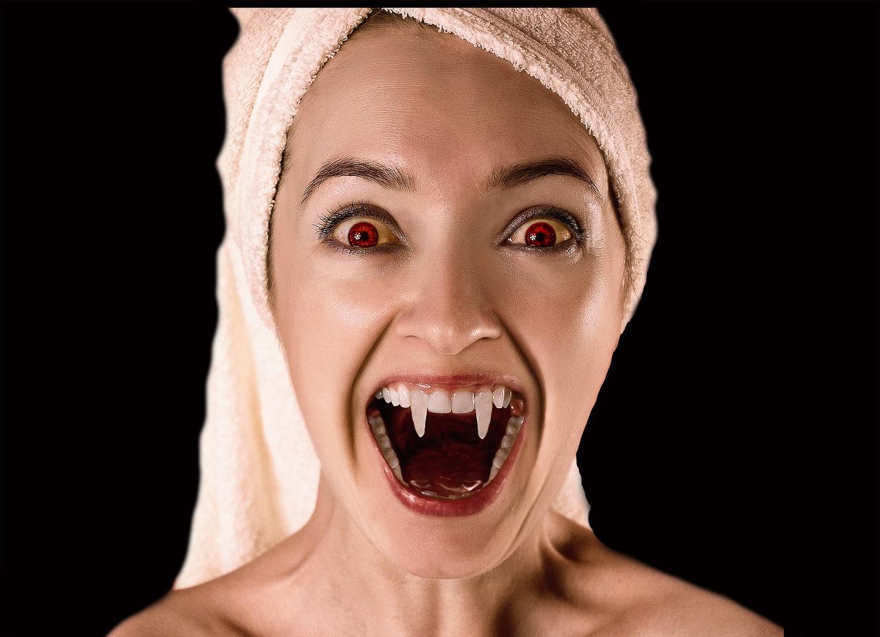 Vampir Halloweeen Kostüm irgendwie nerdig 2019